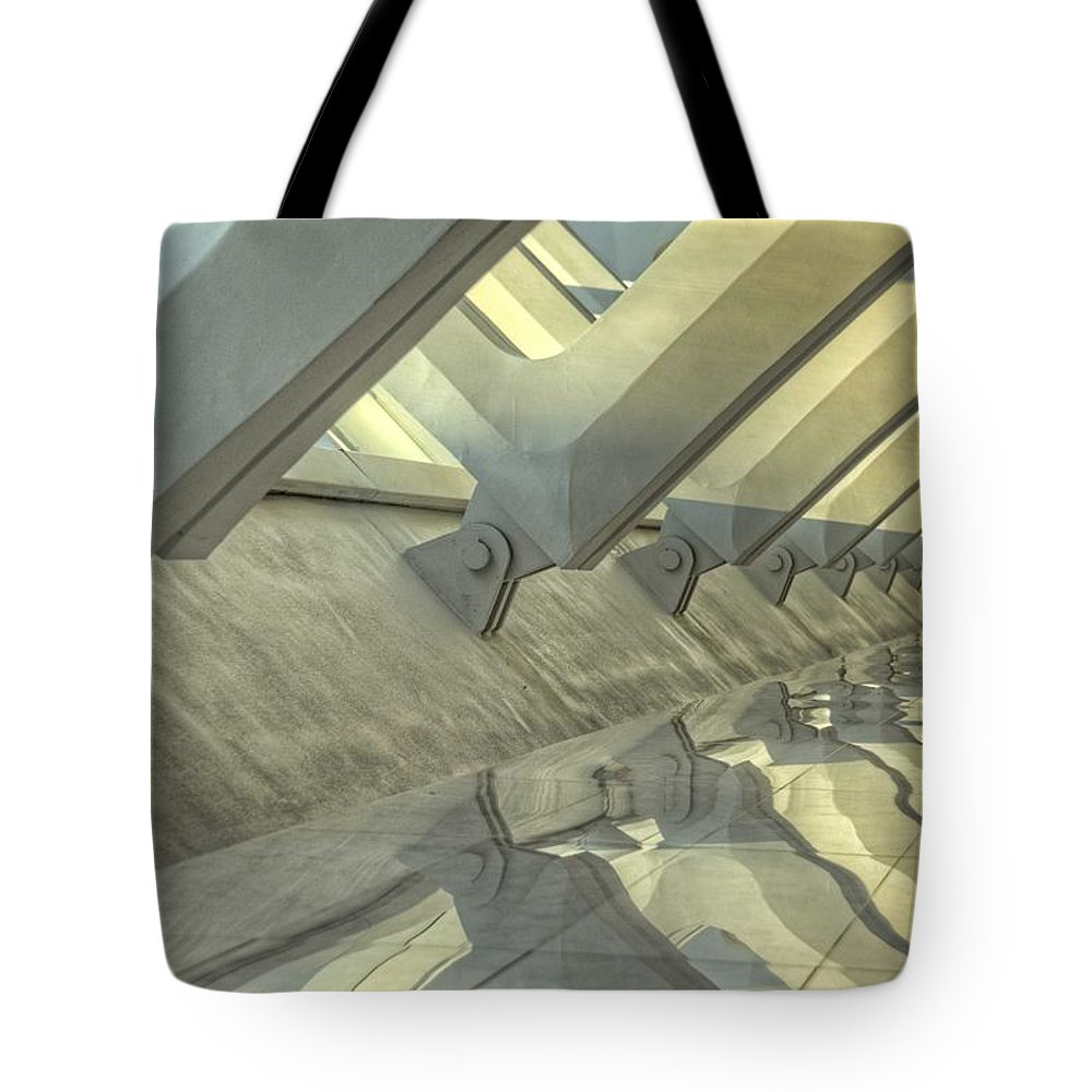 Mam Tote Bag featuring the photograph Mam Reflections by Daniel Sheldon