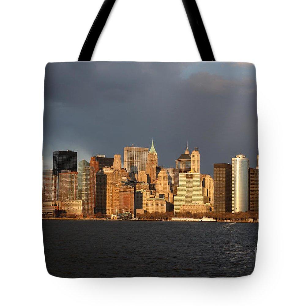 Manhattan Tote Bag featuring the photograph Manhattan Skyline At Sunset by Deborah Benbrook