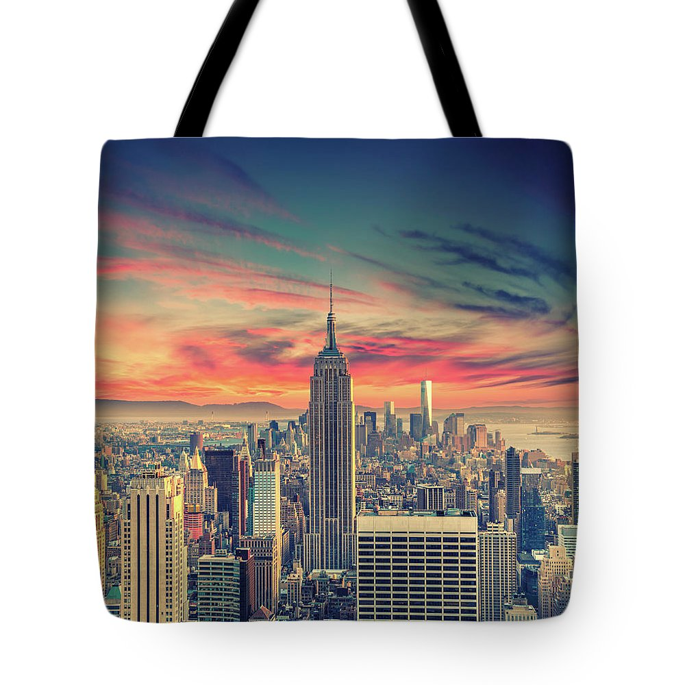 Panoramic Tote Bag featuring the photograph Manhattan by Zsolt Hlinka