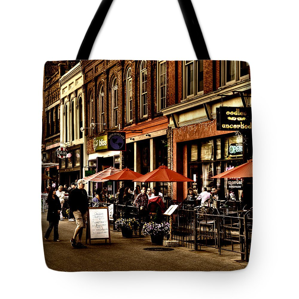 Tennessee Tote Bag featuring the photograph Market Square - Knoxville Tennessee by David Patterson
