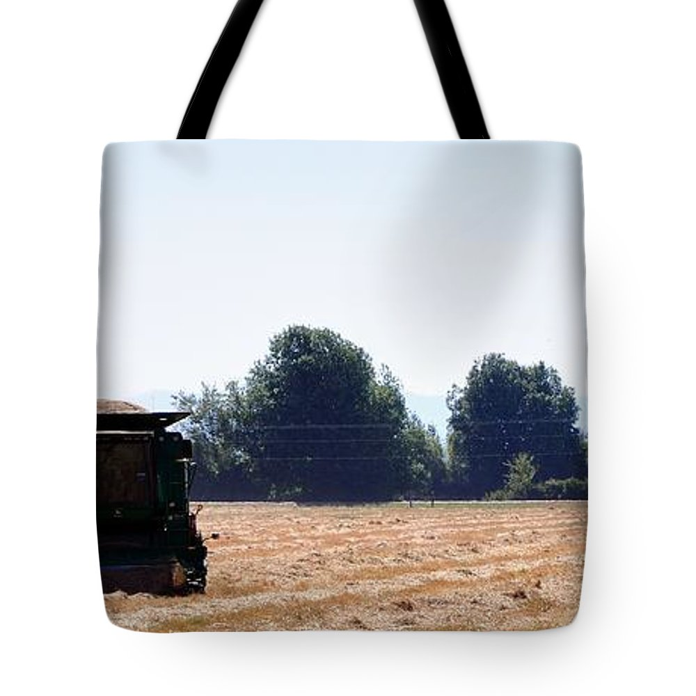 Ag Tote Bag featuring the photograph Maximizer 15959 by Jerry Sodorff