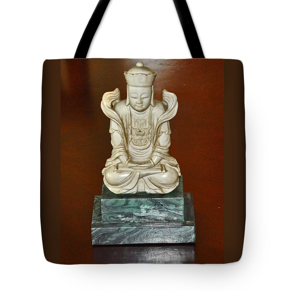 Chinese Tote Bag featuring the photograph Chineses Meditation by Jay Milo