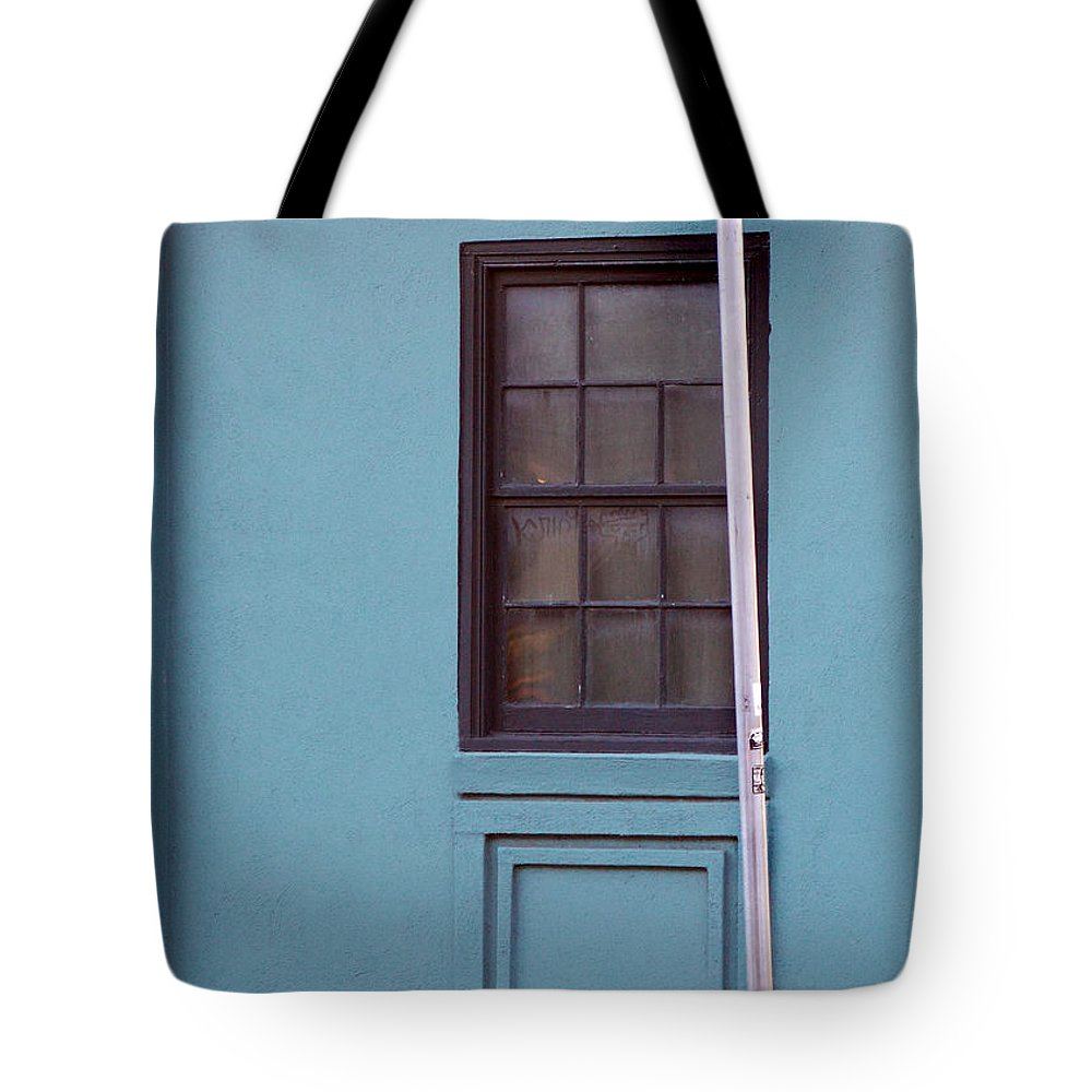 Scenic Tours Tote Bag featuring the photograph Meeting Street by Skip Willits