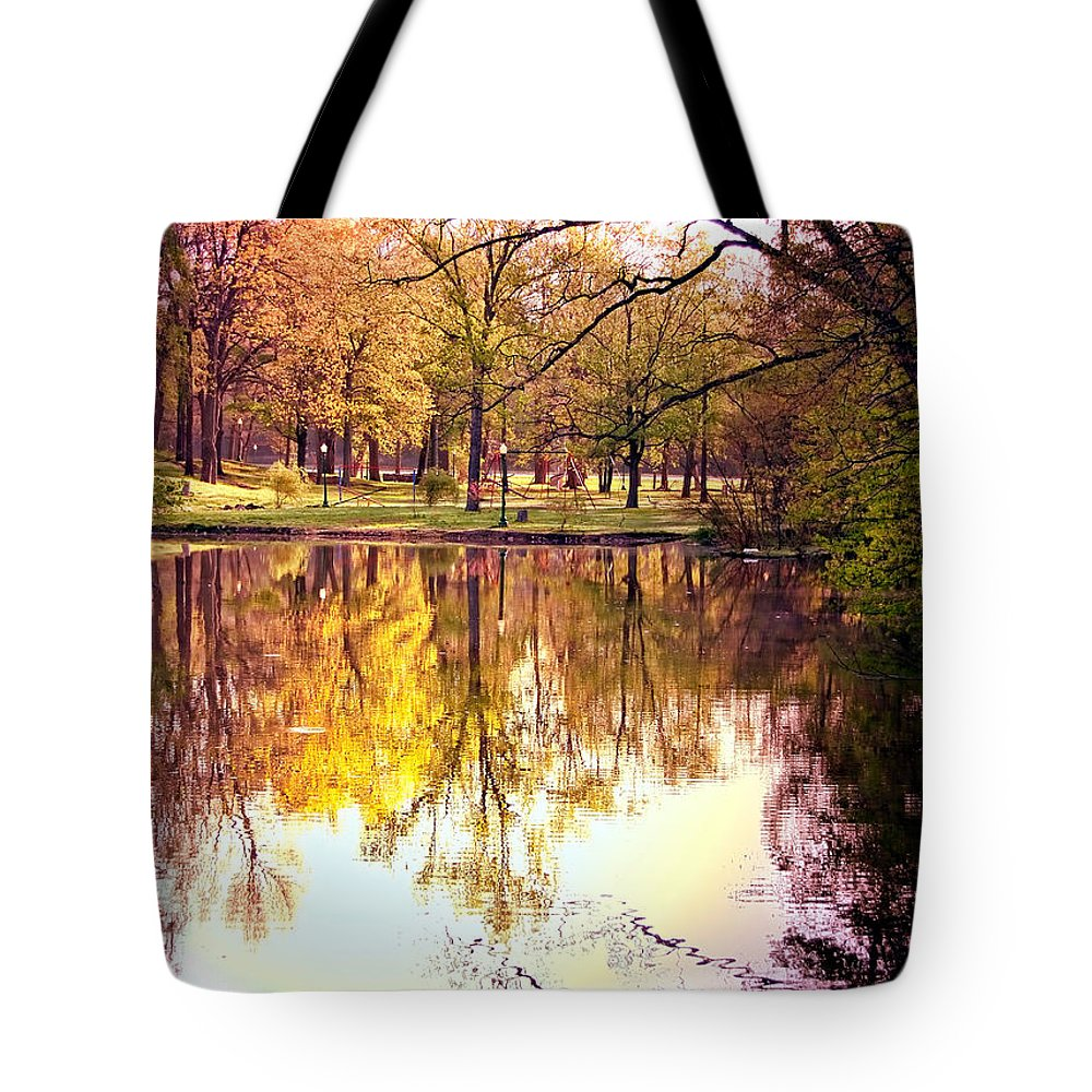 Memorial Tote Bag featuring the photograph Memorial Park - Henry County by Mark Orr