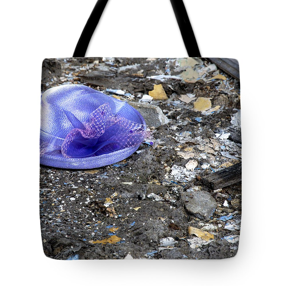 1917 Tote Bag featuring the photograph Memories by Paul Cannon