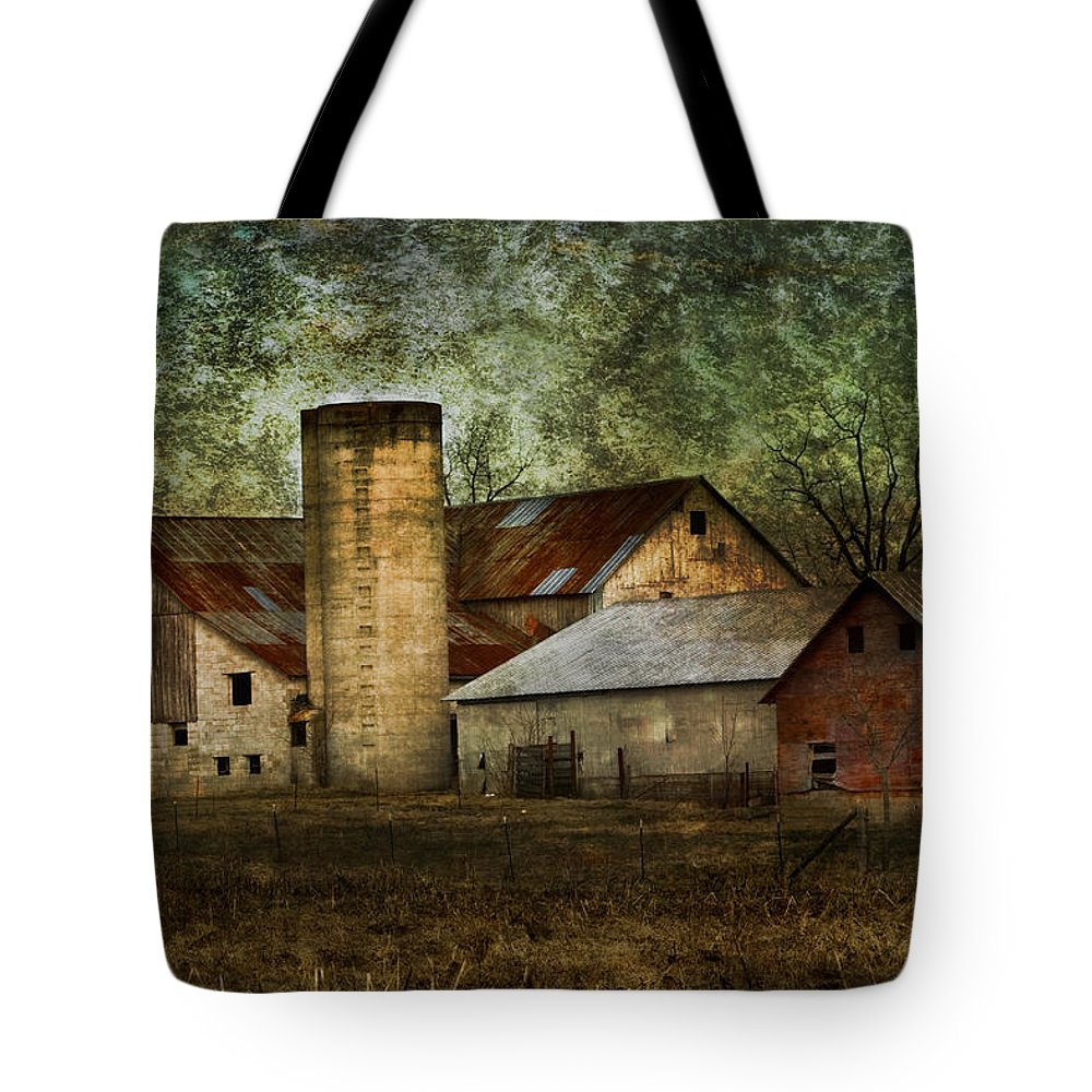 Mennonite Tote Bag featuring the photograph Mennonite Farm In Tennessee Usa by Kathy Clark