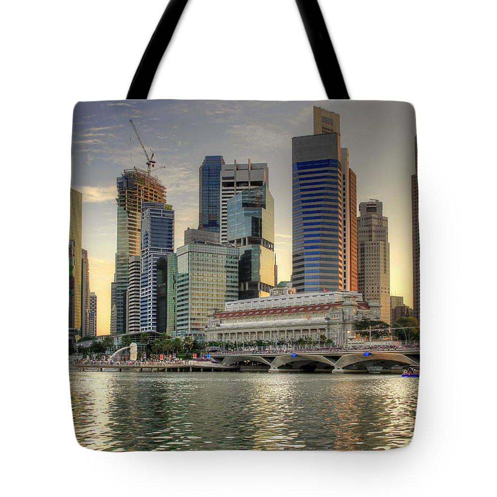 Merlion Tote Bag featuring the photograph Merlion Park In Singapore 3 by David Gn