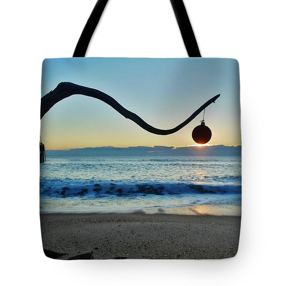 Mark Lemmon Cape Hatteras Nc The Outer Banks Photographer Subjects From Sunrise Tote Bag featuring the photograph Merry Christmas Charlie Brown Tree 12 12/17 by Mark Lemmon