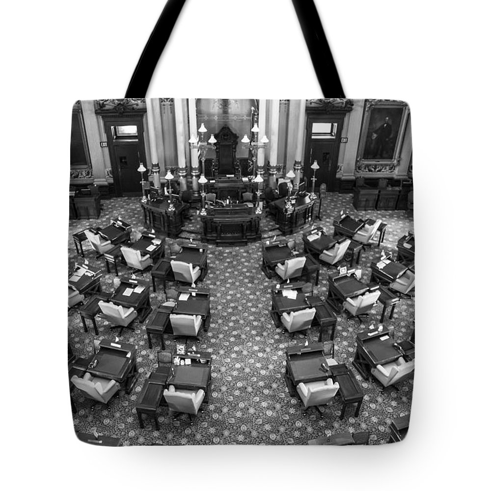 Michigan Tote Bag featuring the photograph Michigan State House At Capitol by John McGraw