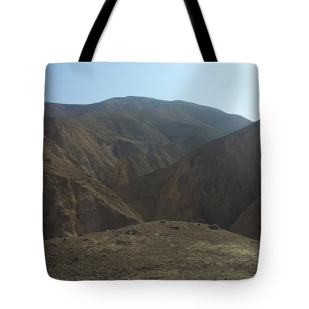 Midbar Tote Bag featuring the photograph Midbyehuda Desert by Ram Photography