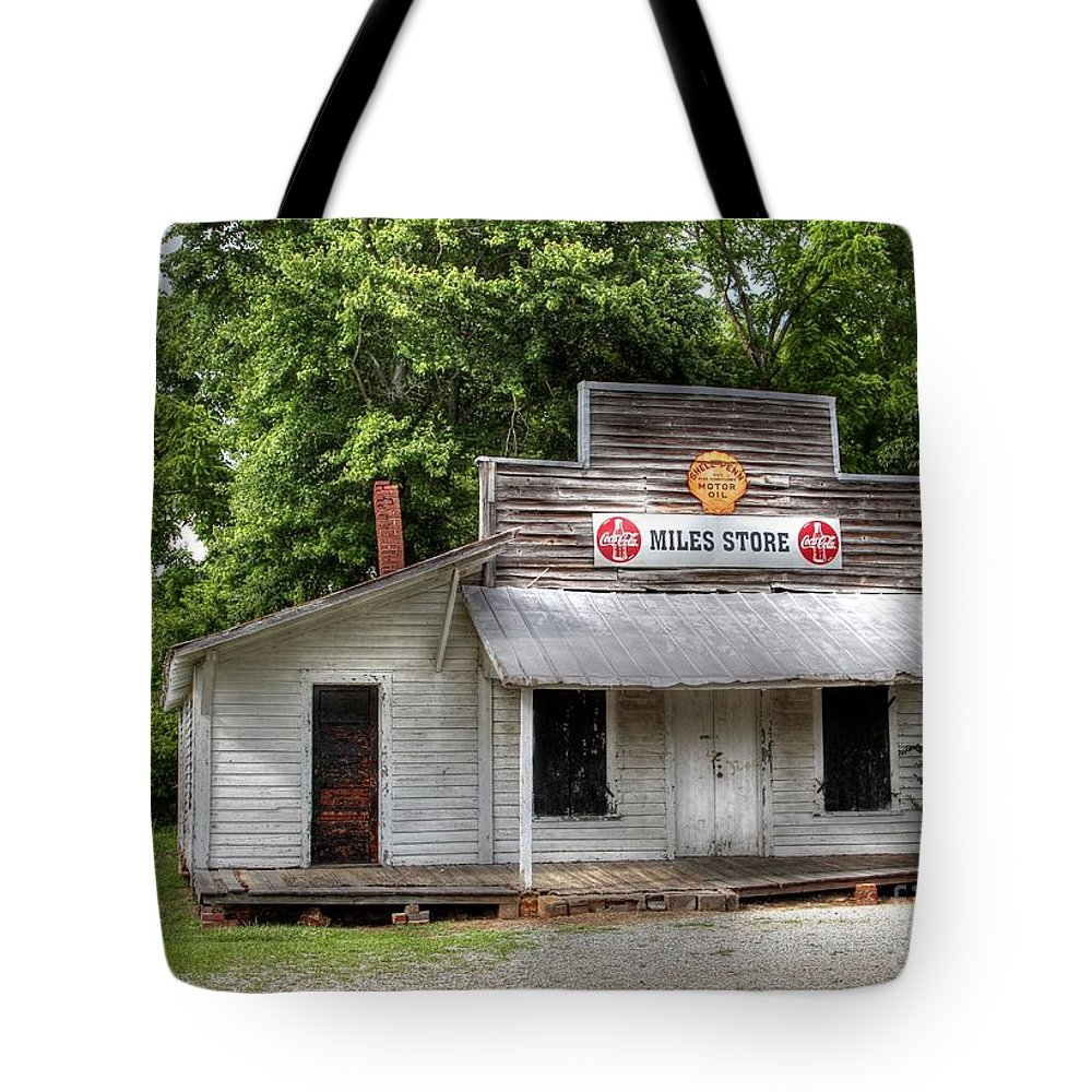 Country Store Tote Bag featuring the photograph Miles Country Store by Benanne Stiens
