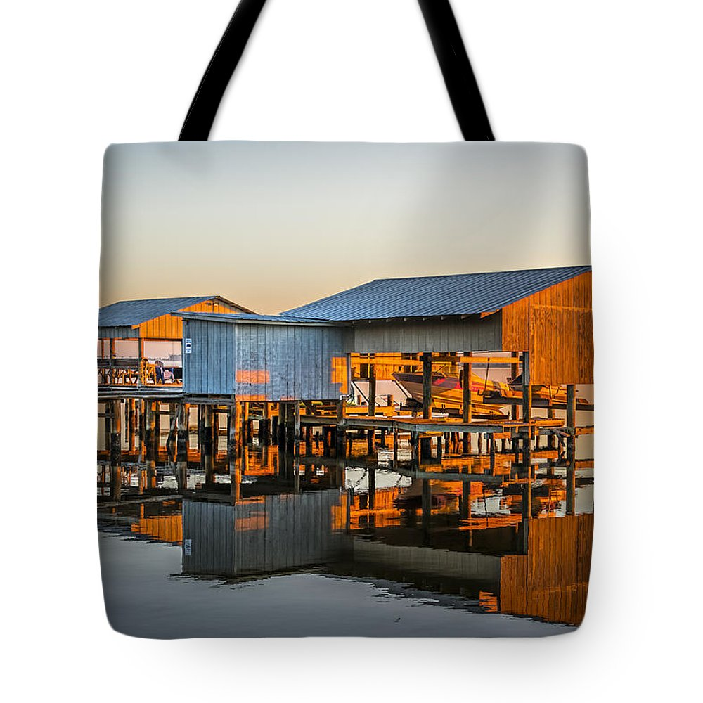 Architecture Tote Bag featuring the photograph Mirror Lake by Maria Coulson