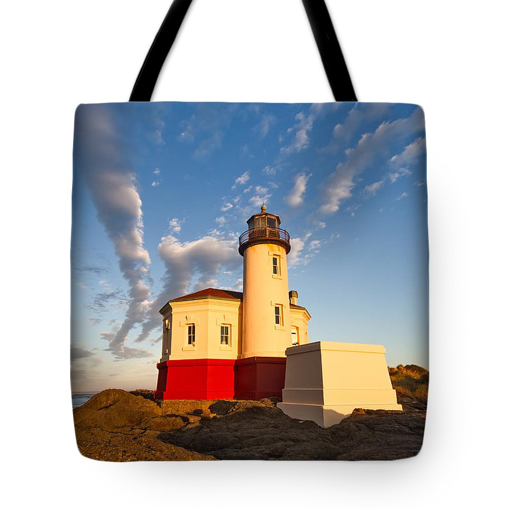 Bandon Tote Bag featuring the photograph Morning Light At Coquille River Lighthouse by Patricia Davidson