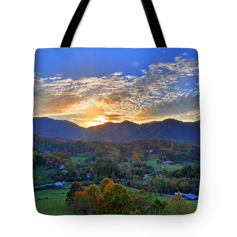 Hill Tote Bag featuring the photograph Morning Light Over Leicester by Lynn Bauer