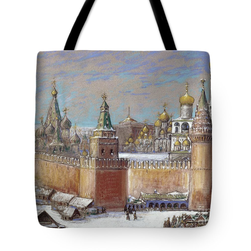 20th Century Tote Bag featuring the photograph Moscow: Kremlin by Granger