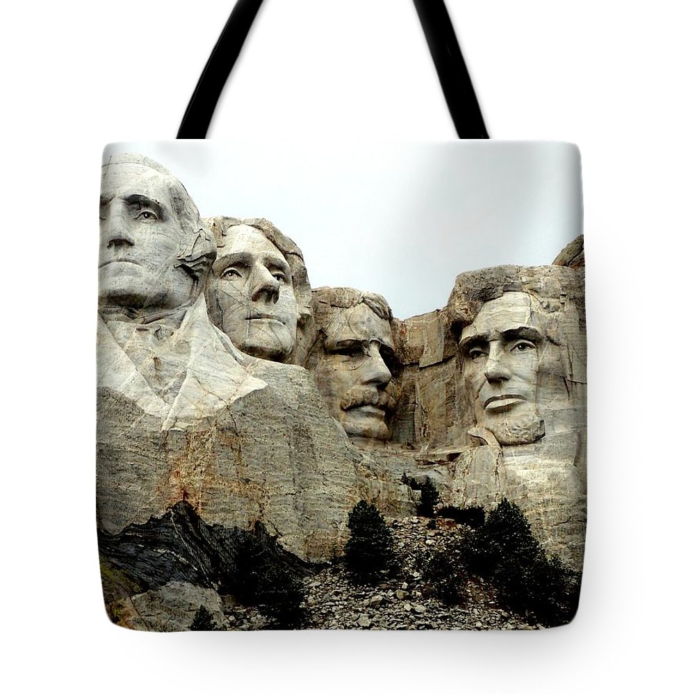Mt Rushmore Tote Bag featuring the photograph Mount Rushmore Presidents by Clarice Lakota