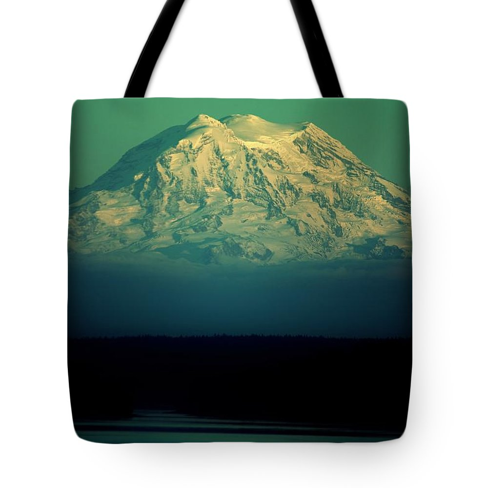 Mount Rainier Tote Bag featuring the photograph Mountain Majesty by Benjamin Yeager
