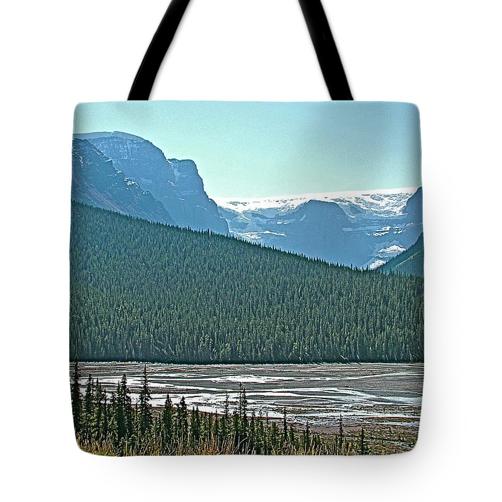 Mountain Peaks From Icefields Parkway In Alberta Tote Bag featuring the photograph Mountain Peaks From Icefields Parkway-alberta by Ruth Hager