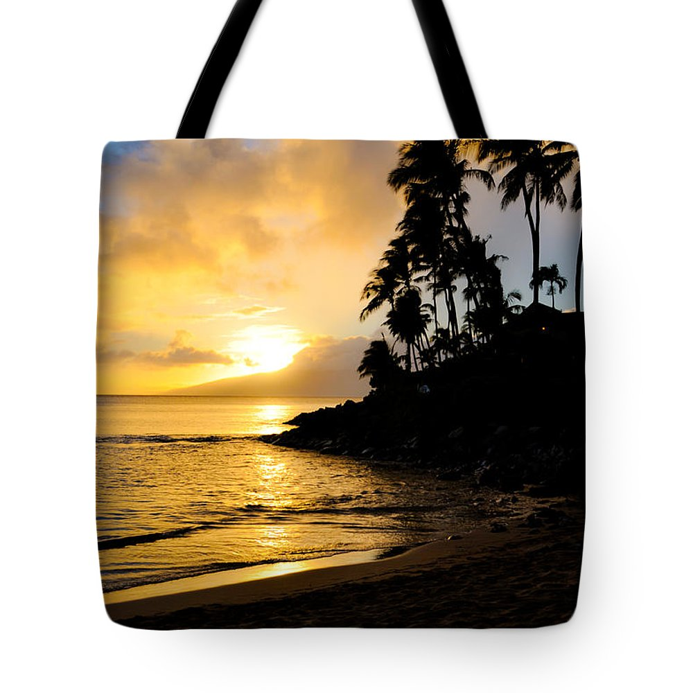 Napili Bay Tote Bag featuring the photograph Napili Sunset Evening by Kelly Wade