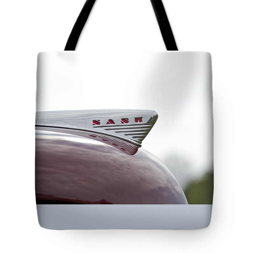 Glenmoor Tote Bag featuring the photograph Nash by Jack R Perry