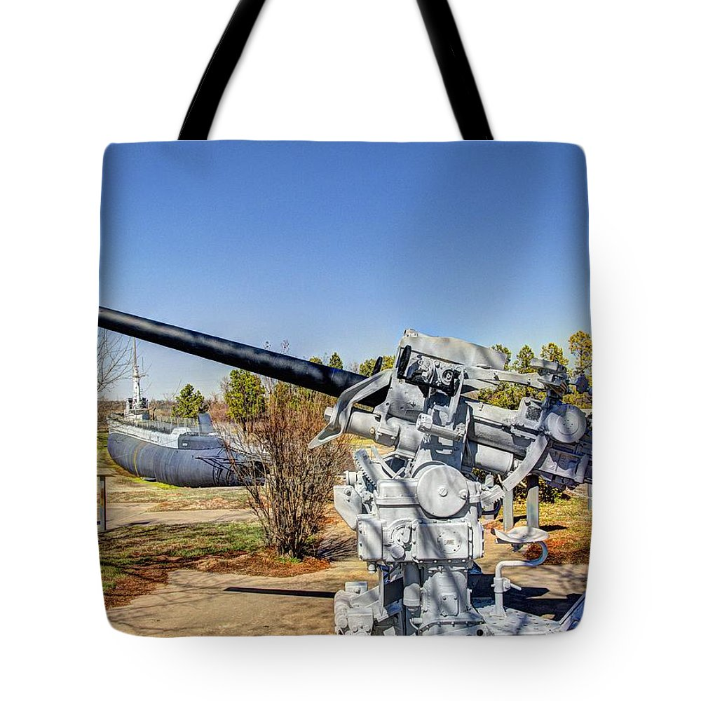 Hdr Tote Bag featuring the photograph Navel Gun Over Looking Uss Batfish by John Straton