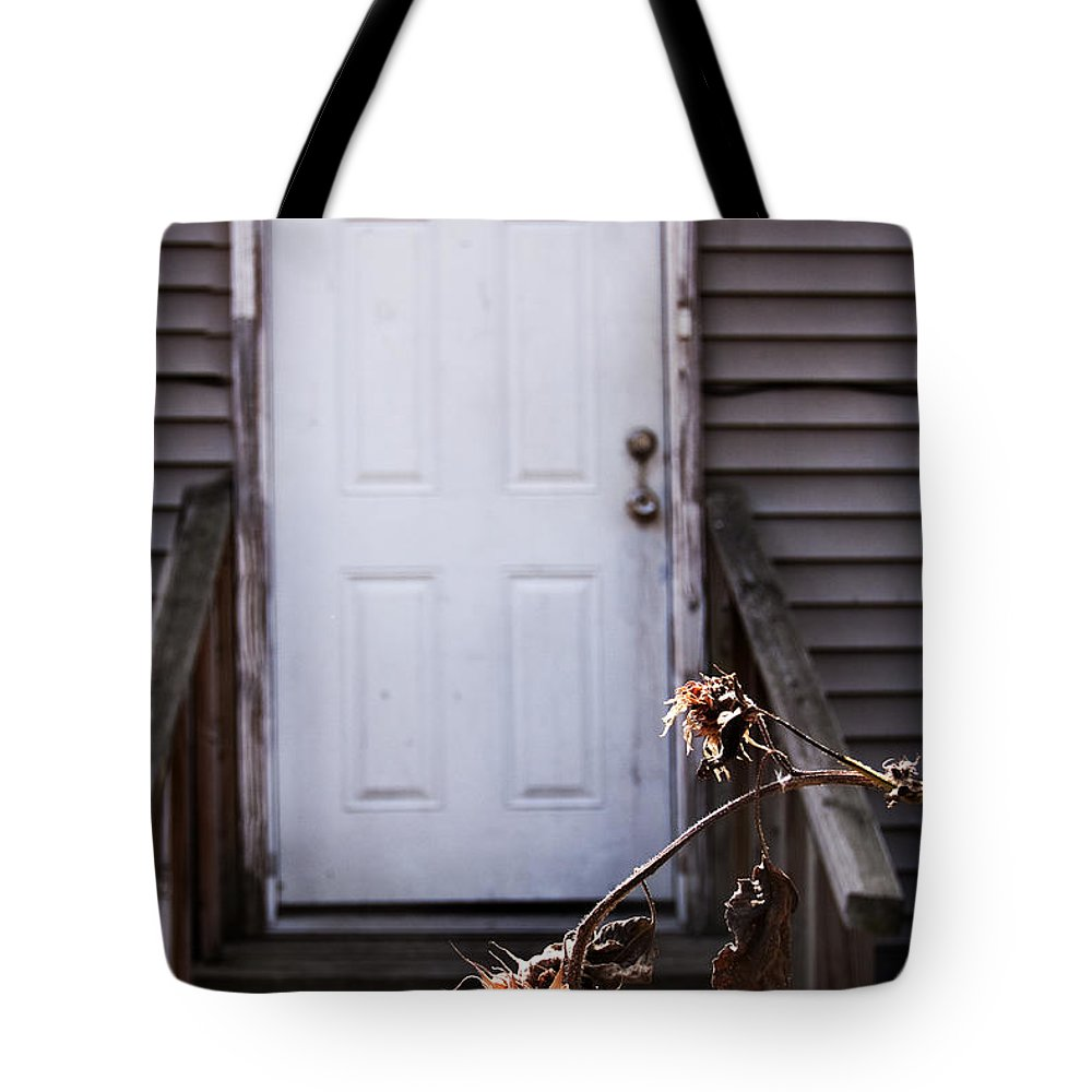 Building Tote Bag featuring the photograph Neglected by Margie Hurwich