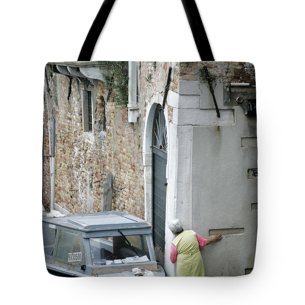 Venice Tote Bag featuring the photograph Neighbourhood Watch by Christopher Rees
