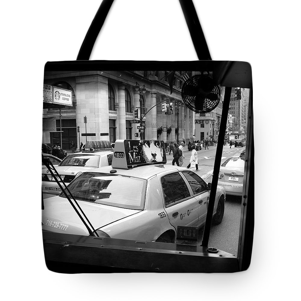 Architecture Tote Bag featuring the photograph New York Street Photography 14 by Frank Romeo