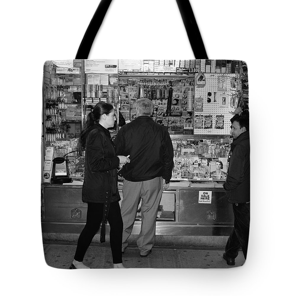 Architecture Tote Bag featuring the photograph New York Street Photography 18 by Frank Romeo