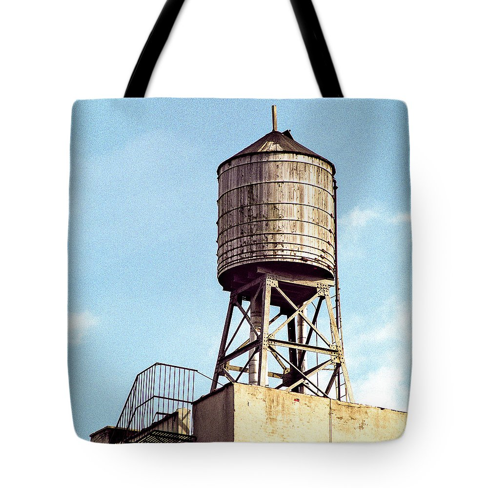 Water Tower Tote Bag featuring the photograph New York Water Tower 1 - New York Scenes by Gary Heller