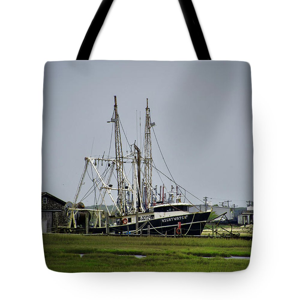 New Jersey Sunrise Tote Bag featuring the photograph Nightwatch by Bill Cannon