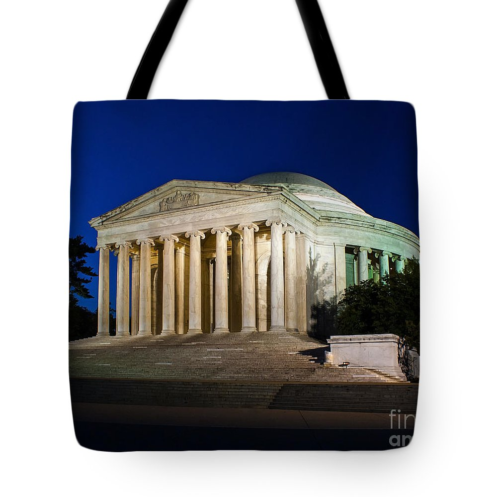 Jefferson Tote Bag featuring the photograph Nite At The Jefferson Memorial by Nick Zelinsky