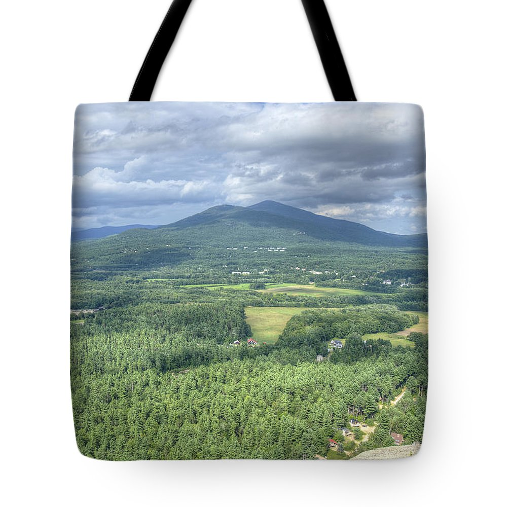 Cathedral Ledge Tote Bag featuring the photograph North Conway Vista by Donna Doherty