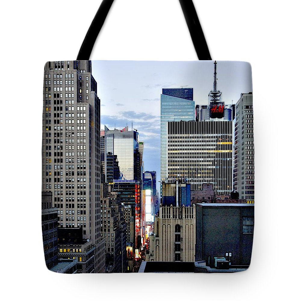 H&m Tote Bag featuring the photograph North Up Seventh Avenue by Lilliana Mendez