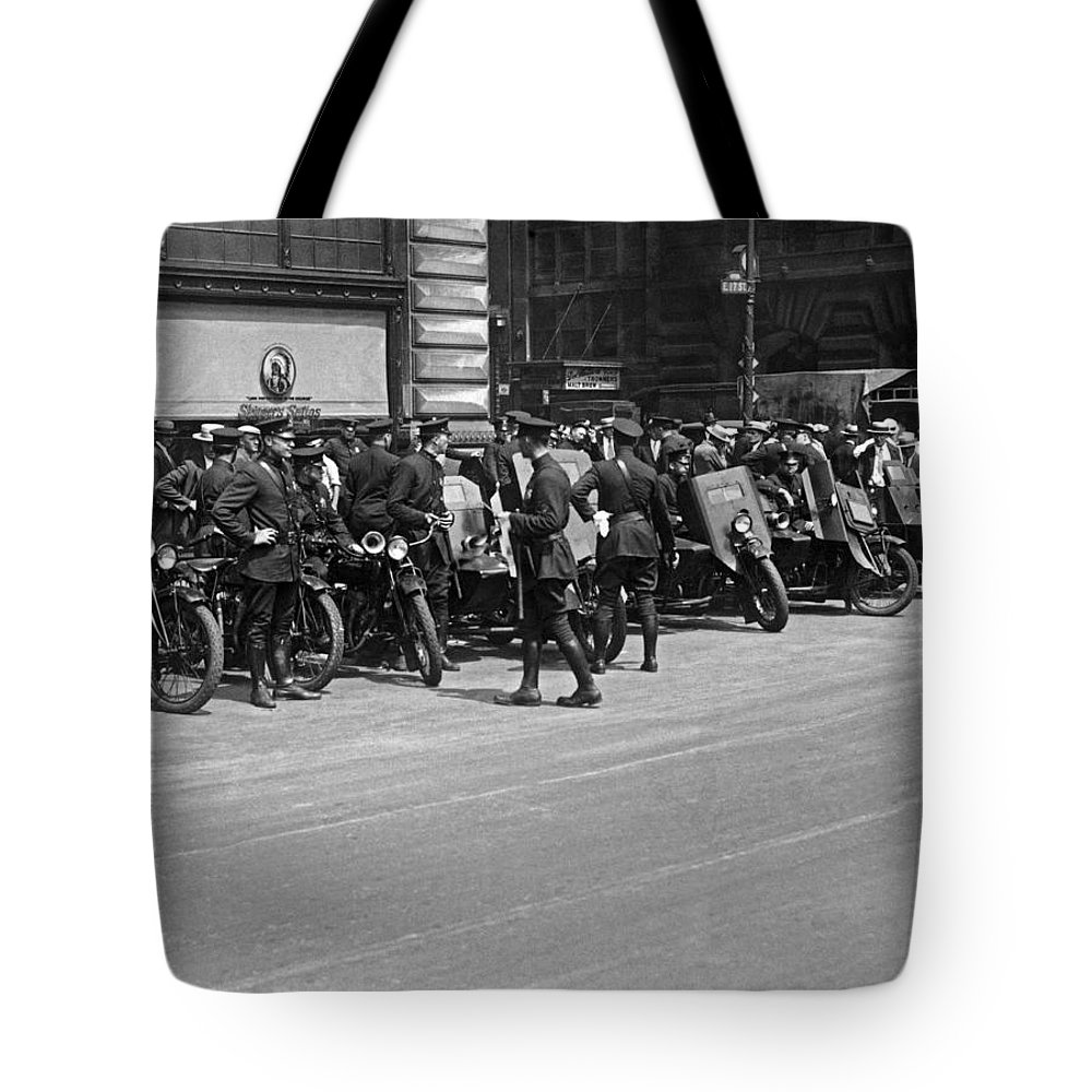 1927 Tote Bag featuring the photograph Ny Armored Motorcycle Squad by Underwood Archives
