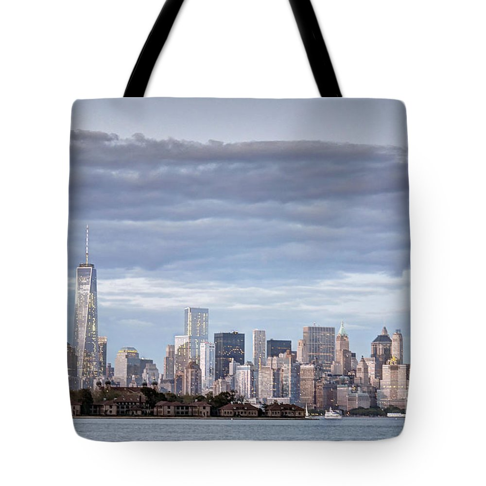 Nyc Tote Bag featuring the photograph Nyc On A Cloudy Day by PatriZio M Busnel