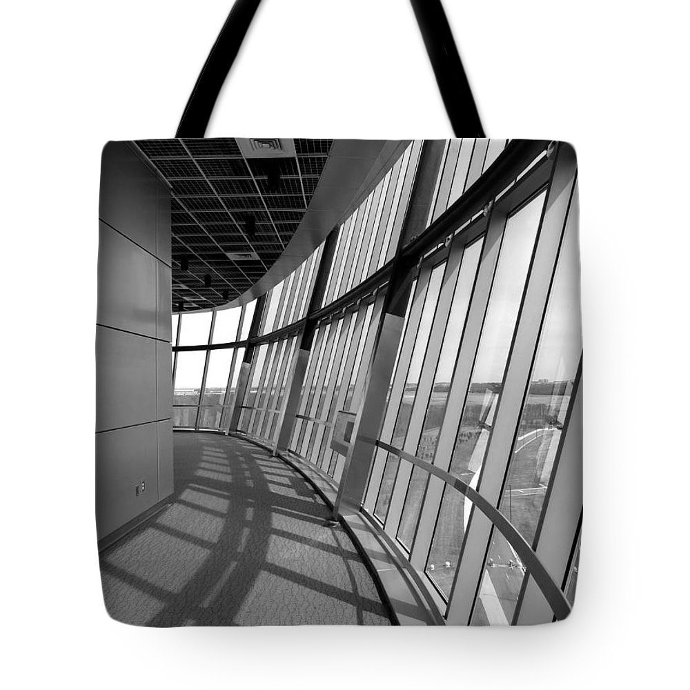 Udvar-hazy Tote Bag featuring the photograph Observation Tower by Jon Munson II
