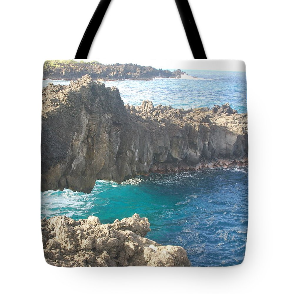 Rocks Tote Bag featuring the photograph Ocean Arch by Mark Thompson