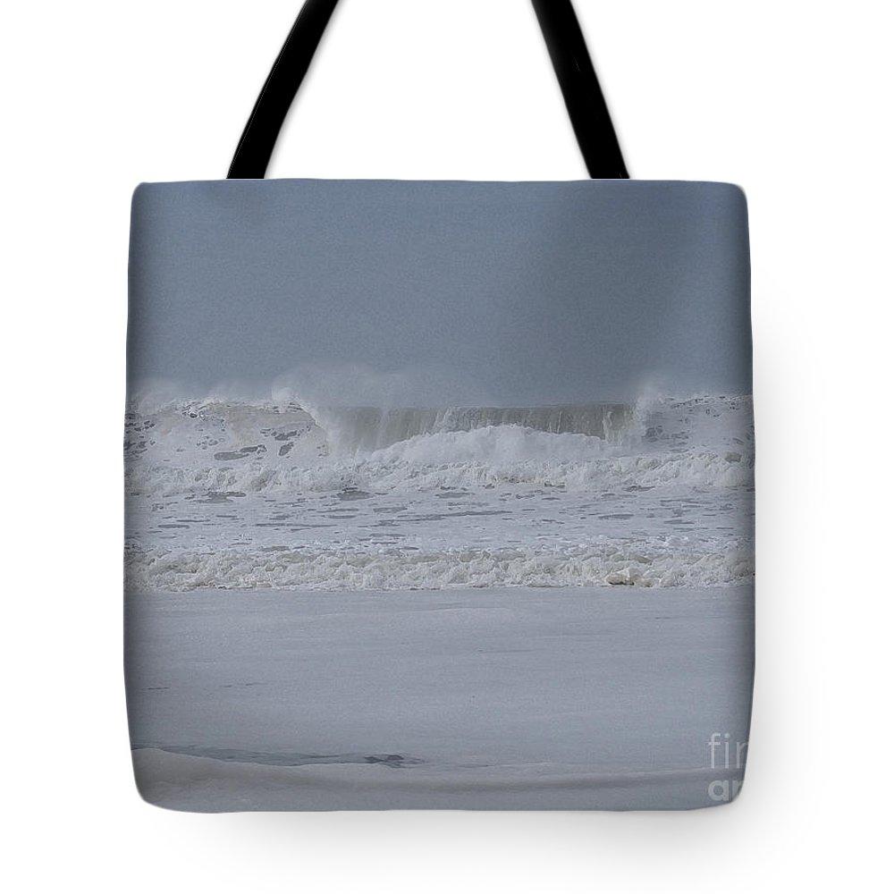 Ocean Tote Bag featuring the photograph Ocean Curl by Jacklyn Duryea Fraizer