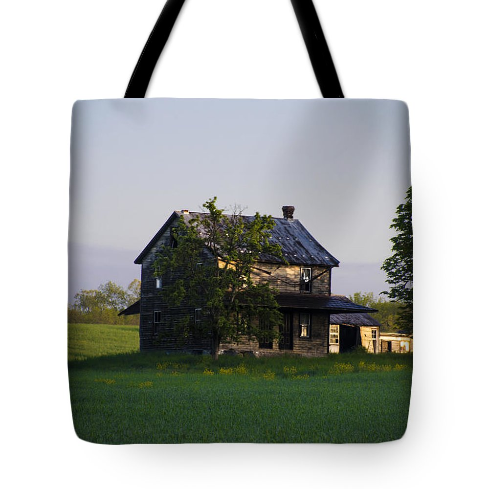 Old Tote Bag featuring the photograph Old Farmhouse by Bill Cannon