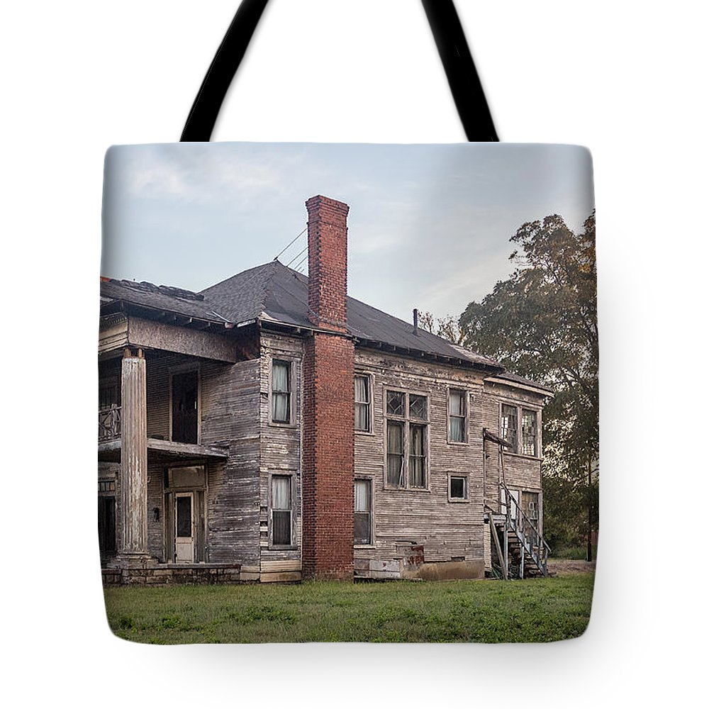 Architecture Tote Bag featuring the photograph Old House Of Character by Tracy Brock