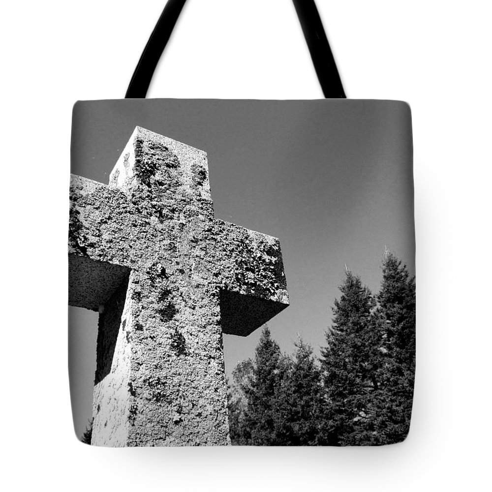 Cross Tote Bag featuring the photograph Old Rugged Cross Bw by David T Wilkinson
