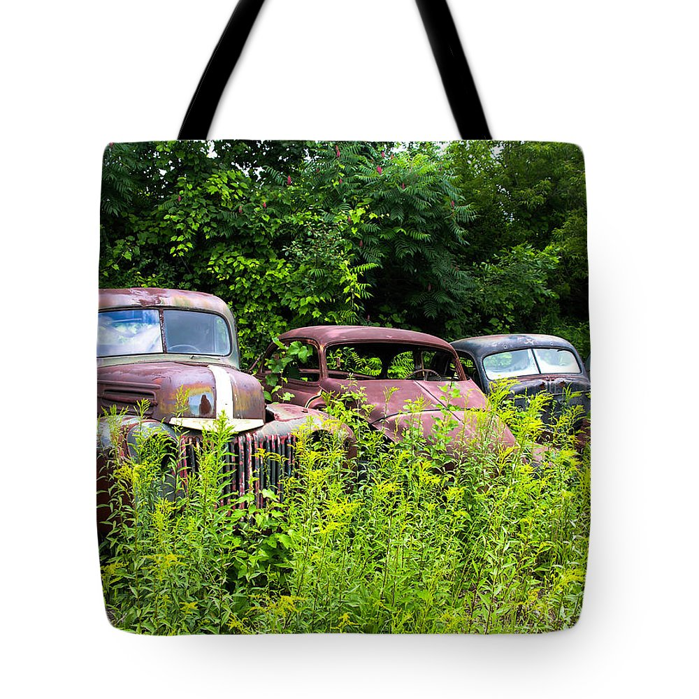 Cars Tote Bag featuring the photograph Old Rusty Cars by Sherman Perry