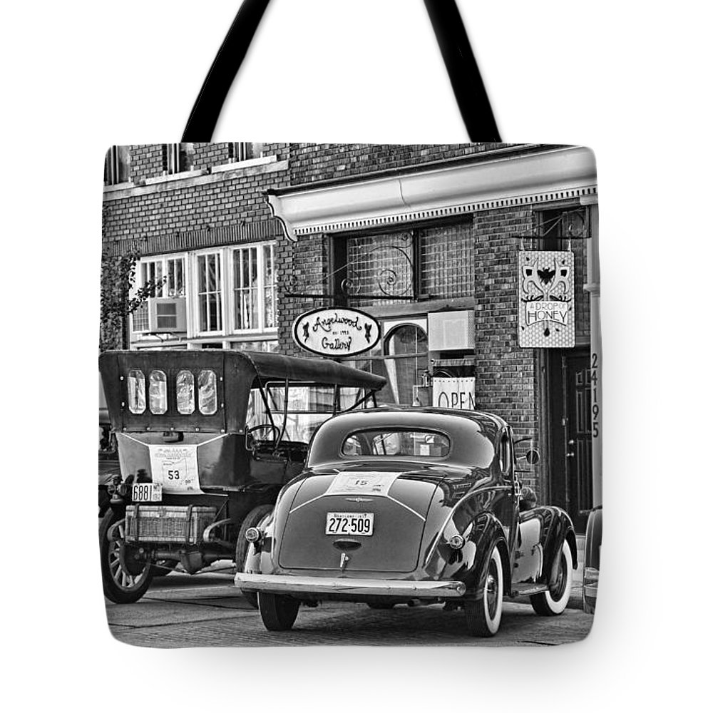 Old Time Car Rally Historical Vehicles Grand Rapids Ohio 0527 Tote ...