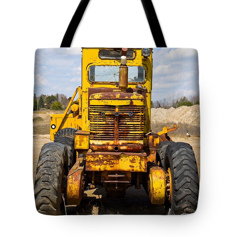 Vintage Tote Bag featuring the photograph Old Tractor by Les Palenik