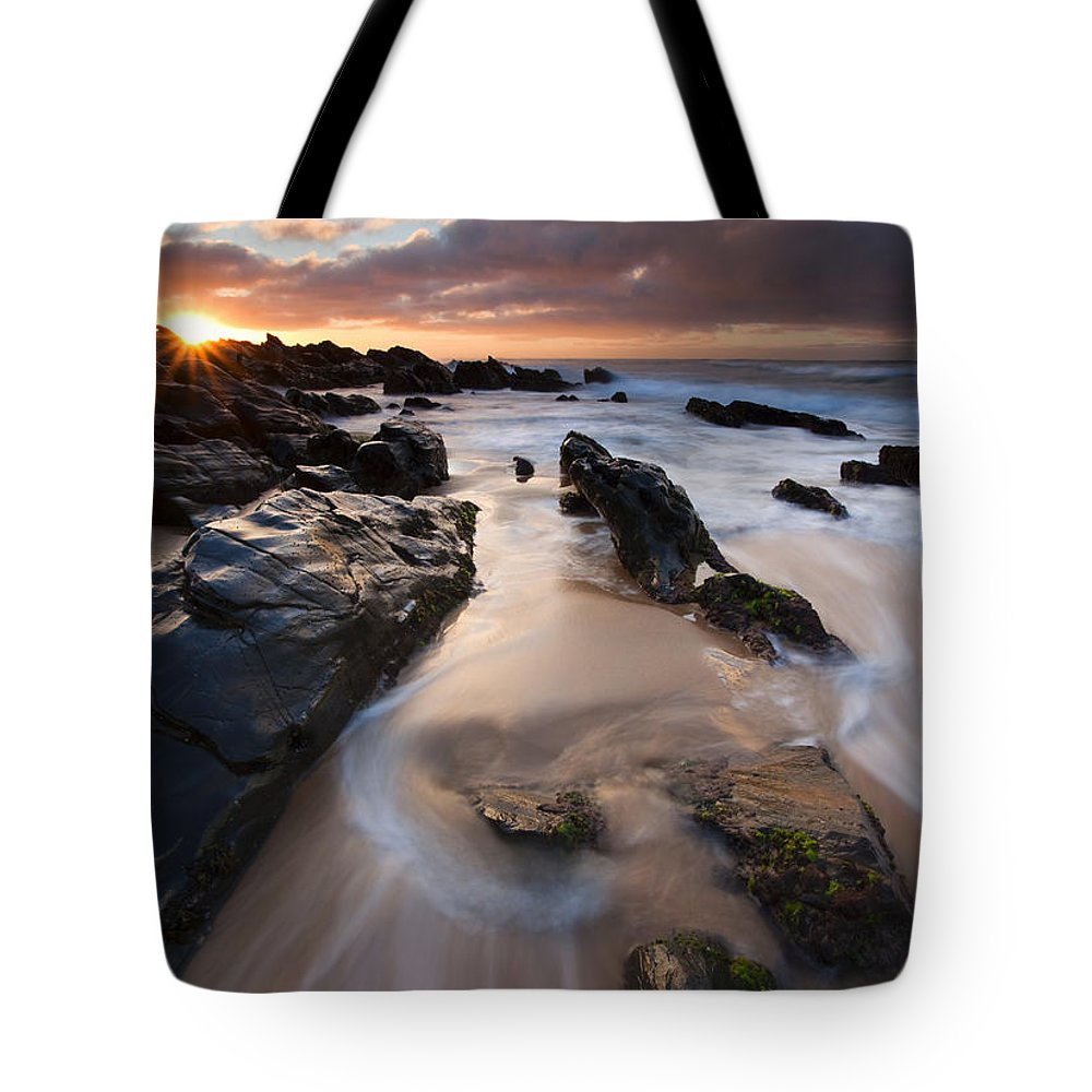 Basham Beach Tote Bag featuring the photograph On The Rocks by Mike Dawson