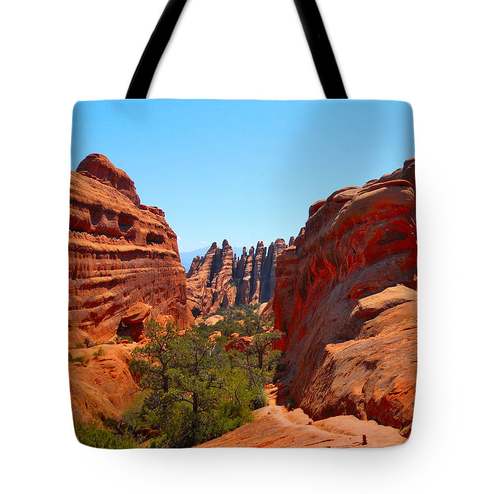 Arches National Park Tote Bag featuring the photograph On The Trail At Arches Np by Marty Fancy