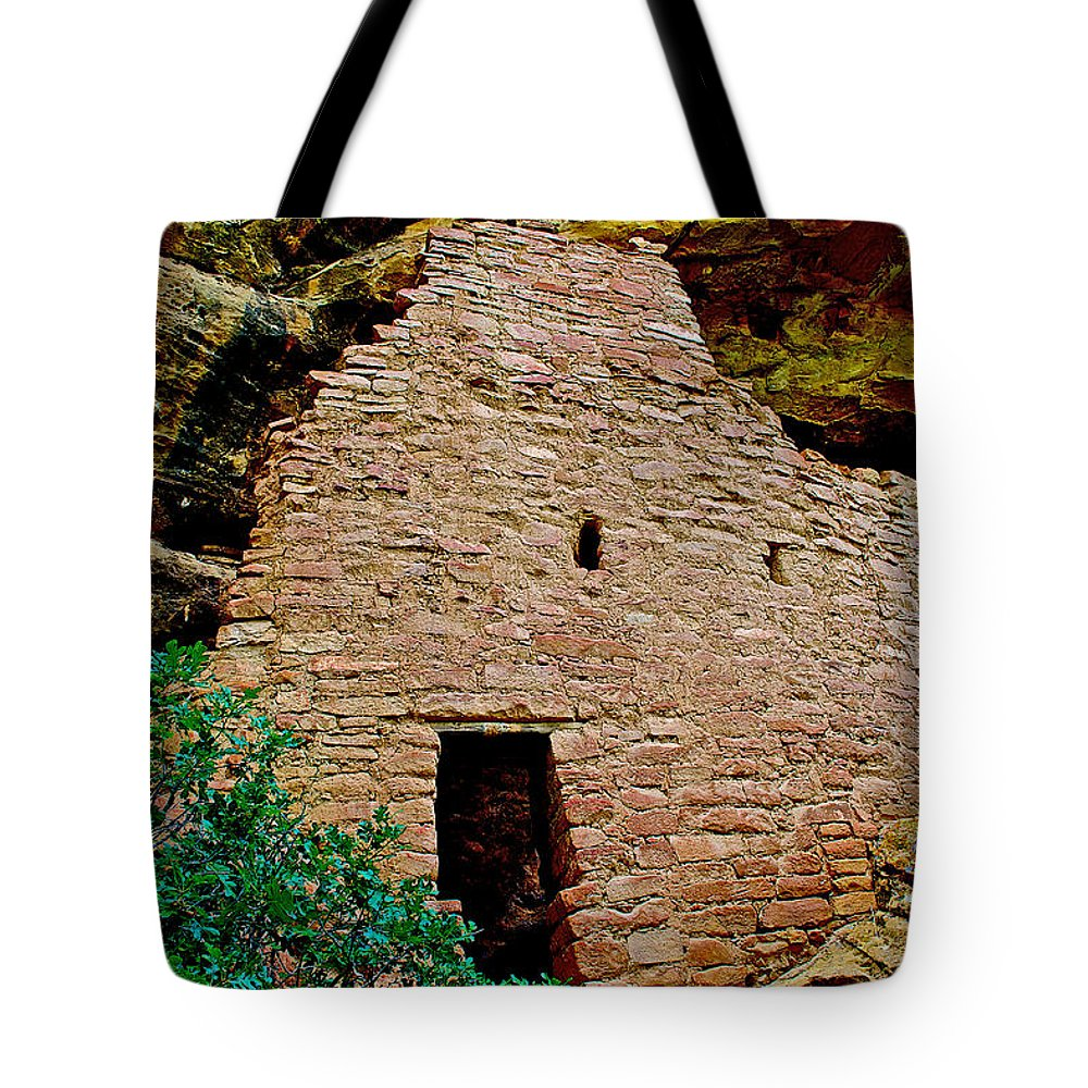 One Entry To Spruce Tree House On Chapin Mesa In Mesa Verde National Park-colorado Spruce Tree House On Chapin Mesa In Mesa Verde National Park Tote Bag featuring the photograph One Entry To Spruce Tree House On Chapin Mesa In Mesa Verde National Park-colorado by Ruth Hager