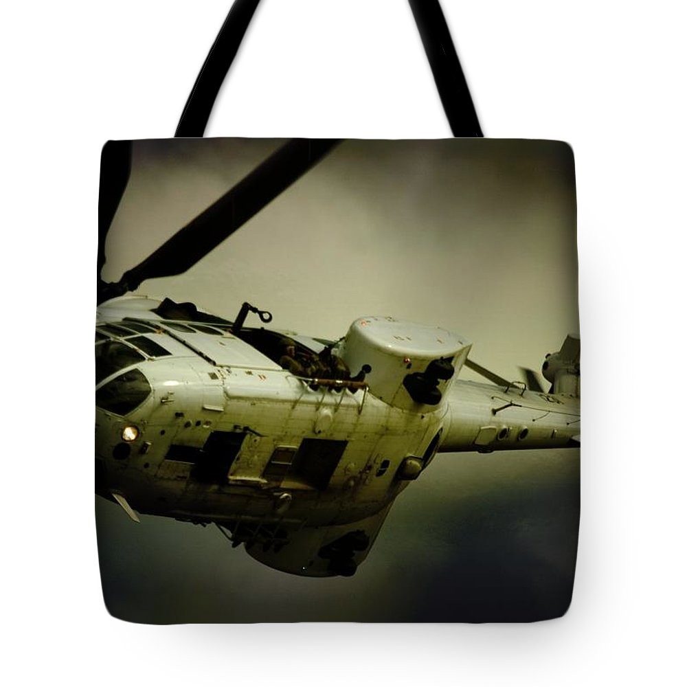 Atlas Oryx Tote Bag featuring the photograph Oryx Turn by Paul Job