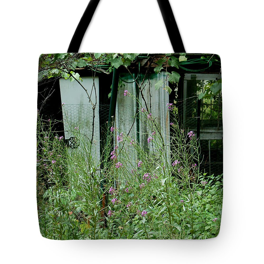 Rural Tote Bag featuring the photograph Overgrown by Suzanne Gaff